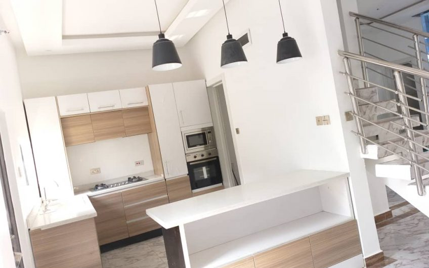 LUXURY 4 BEDROOM SEMI-DETACHED CONTEMPORARY FOR SALE